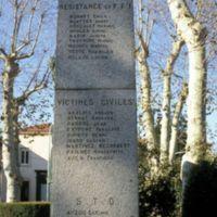 Monument aux Morts : sur le côté : liste des résistants, victimes civiles, STO