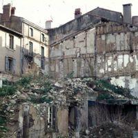 La destruction de vieilles maisons, rue des Cordes