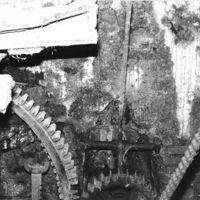 Engrenages: grande et petite couronne, levier de l'embrayage