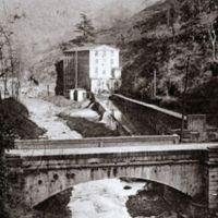 Carte postale: au 1er plan le pont de Laquière, au fond Sluomroc