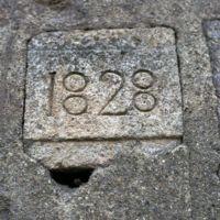 Pierre marquée 1828 au hameau de La Plazède