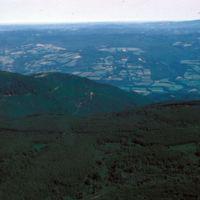 En avion au-dessus de la Montagne Noire : vue aérienne