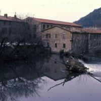 Le barrage et l'usine vue du Thoré