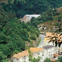 Usine Guilhou vue du chemin des Passes: on voit aussi Cayenne