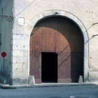 Porte cochère, rue de Juillet