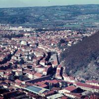 Vues de Mazamet depuis le Plo de la Bise : vue générale de la ville au sortir de la gorge