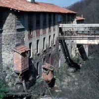 Bâtiments vus du barrage