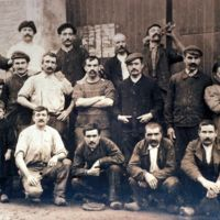 Autre photographie de groupe d'ouvriers du Peigne d'Or