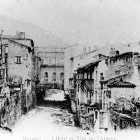 Usines dans Mazamet : <br /><br /> Carte postale de Mazamet : l&#039;Hôtel de Ville sur l&#039;Arnette avec l&#039;étendoir, de l&#039;aval vers l&#039;amont
