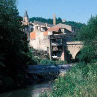 Moulin Haut et barrage du Moulin Bas vue depuis l'Arn : vu vers le haut