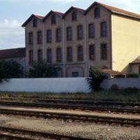 Mazamet, magasins près de la gare : plan plus serré