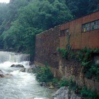 Bâtiments rive gauche et barrage