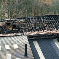 L'usine après incendie: les toits, vue plongeante dans l'usine