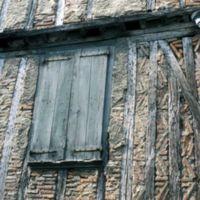 Rue du Moulin : façade ancienne