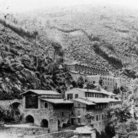 Carte postale: Sabatié (en haut); usine Galibert-Martrat ou les Ajustants (en bas)