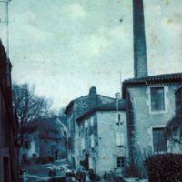 Carte postale : Moulin vue depuis le route