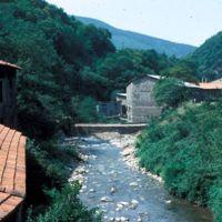 Vanne, barrage, vu de l'usine des Passes